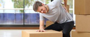 Manual Handling Course, man lifting box incorrectly.